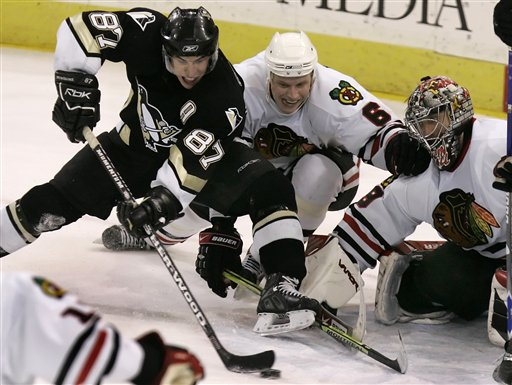 Blackhawks Lose to Penguins 5-4