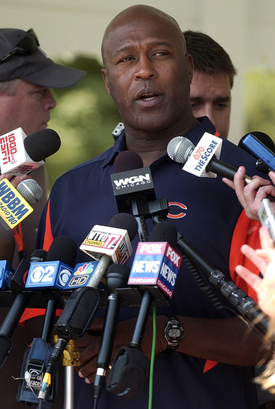Bears head coach Lovie Smith takes over Chicago Bears defense